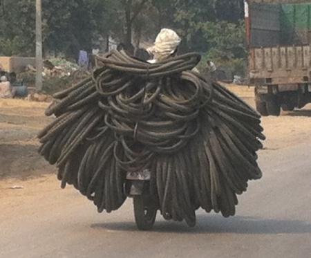 2-delhi-moped-innertubes